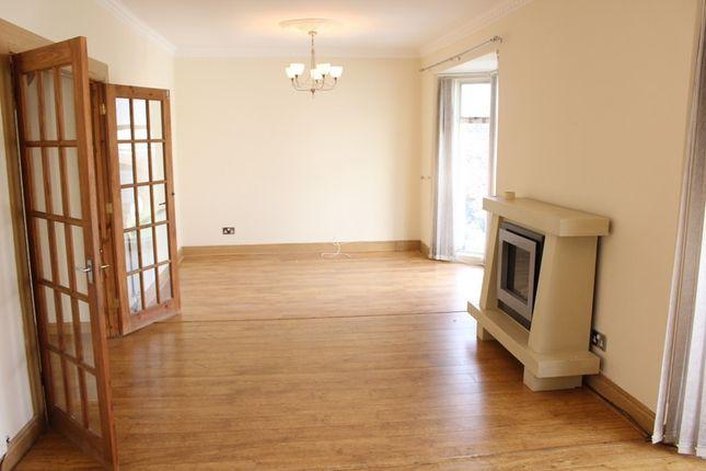 Thumbnail Flat to rent in Waunrhydd Road, Tonyrefail