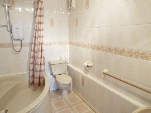 Bathroom of Churchill Mansions, Cooper Street, Runcorn, Cheshire WA7