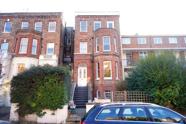 2 bed flat to rent in Goldhurst Terrace, London