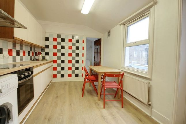 Thumbnail Property for sale in Marsh Hill, London