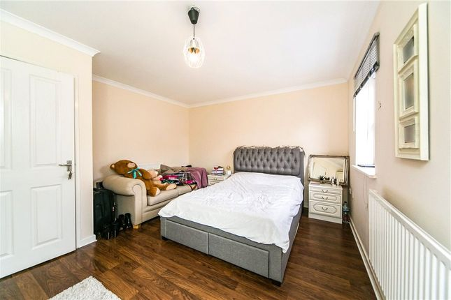 Bed 2 of Prince Of Wales Avenue, Reading, Berkshire RG30