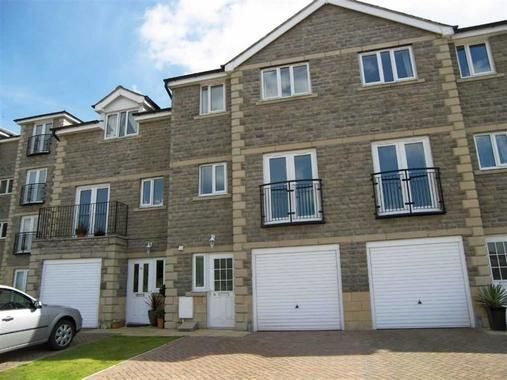 3 bed town house to rent in Acre Park, Bacup OL13