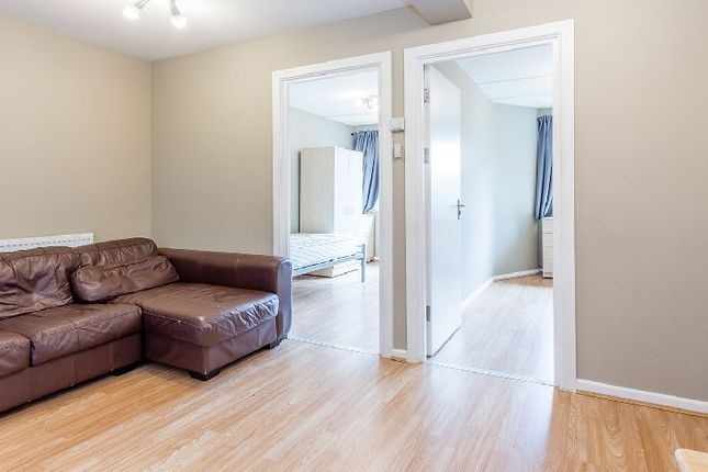 Thumbnail Flat to rent in Pauntley Street, London