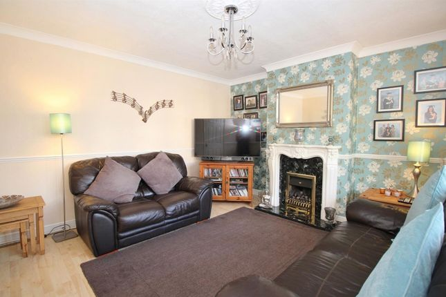 Thumbnail Semi-detached house for sale in Martens Avenue, Bexleyheath