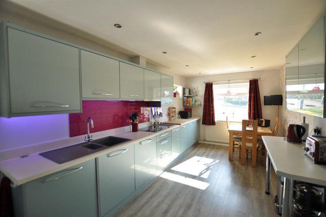 Kitchen 2 of Windrush Crescent, Malvern WR14
