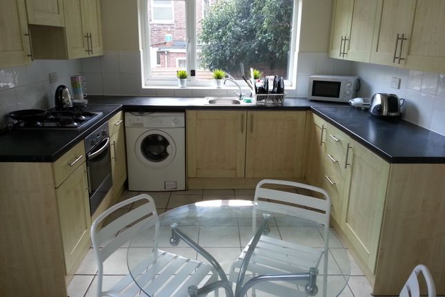 Thumbnail Shared accommodation to rent in Portland Road, Nottingham