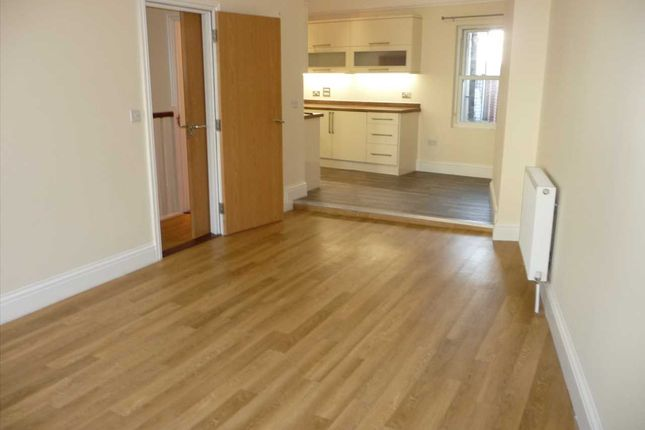Thumbnail Flat to rent in Fawcett Road, Southsea