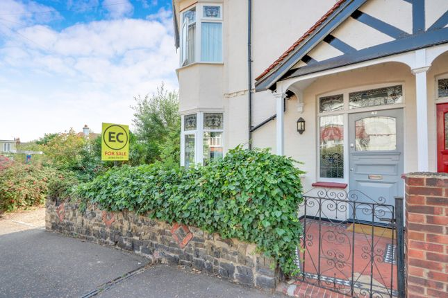 Thumbnail Flat for sale in Hillside Crescent, Leigh-On-Sea, Essex