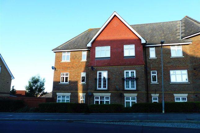 Thumbnail Flat to rent in Gravelly Field, Singleton, Ashford
