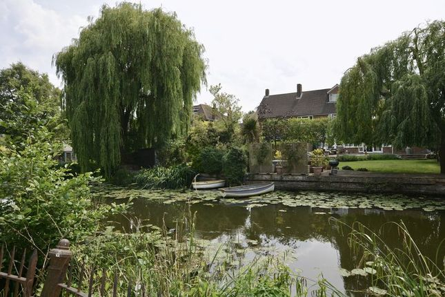Thumbnail Flat for sale in Bridge Road, East Molesey