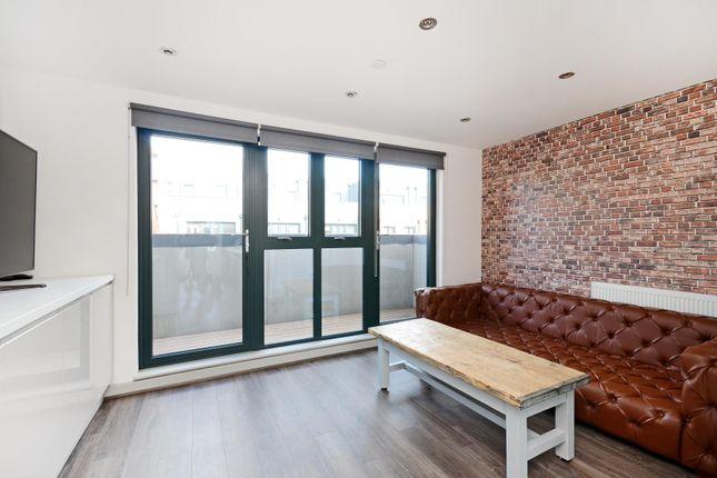 Thumbnail Room to rent in Room 2, 24 Dun Street, Dunfields, Kelham Island, Sheffield