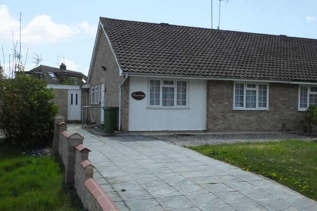Thumbnail Bungalow to rent in Harrisons Lane, Ringmer