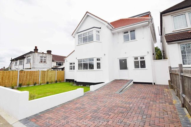 5 bed detached house to rent in Hawthorne Avenue, Harrow HA3