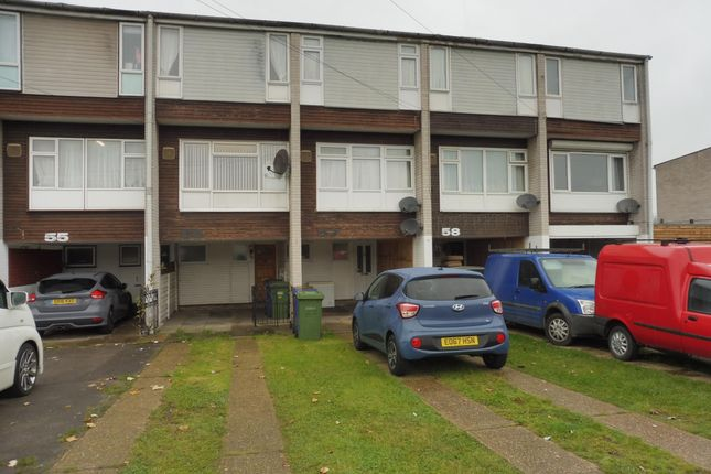 Thumbnail Property to rent in Aluric Close, Chadwell St. Mary, Grays