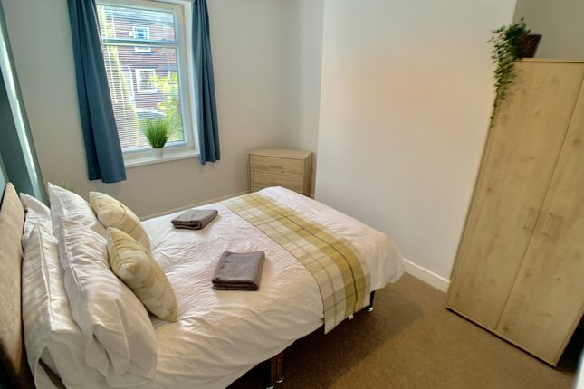 Thumbnail Shared accommodation to rent in Barnsley Road, Barnsley, Wombwell