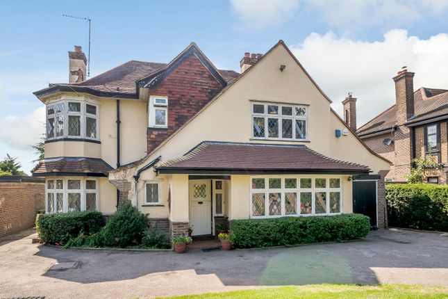 Thumbnail Detached house for sale in Great North Road, Brookmans Park, Hatfield