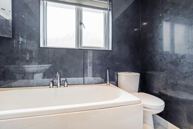 Bathroom of Clove Mill Wynd, Larkhall, South Lanarkshire, Scotland ML9