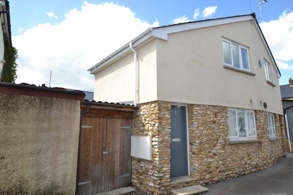 Thumbnail Flat to rent in High Street, Honiton