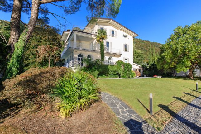 Thumbnail Villa for sale in Como (Town), Como, Lombardy, Italy