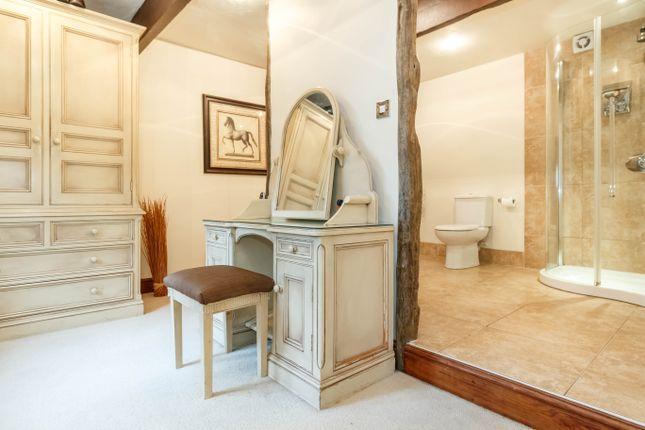 En Suite Dressing & Shower Room