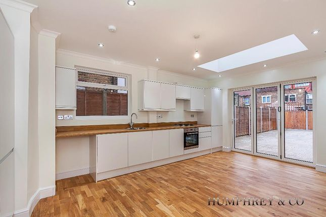 Thumbnail Terraced house to rent in Fulbourne Road, London