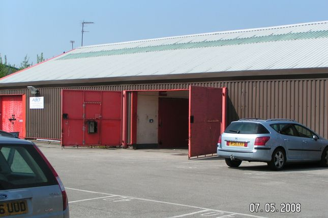 Warehouse to let in Kings Road, Great Barr