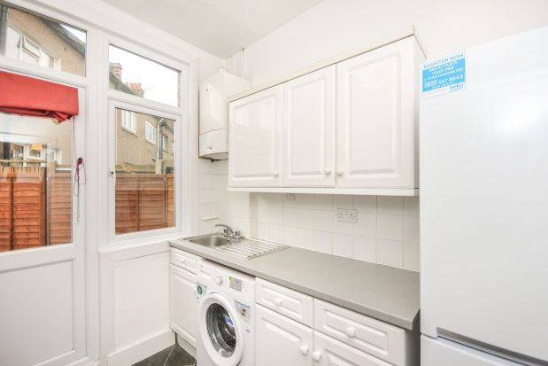 Thumbnail Property to rent in Fernbrook Crescent, Hither Green