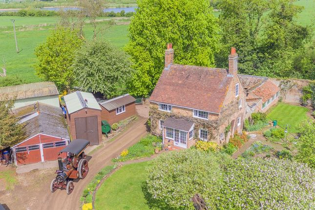 Thumbnail Detached house for sale in Fairfield Road, Biggleswade