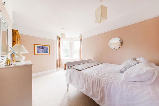Highres2304564 of Angel Road, Thames Ditton KT7