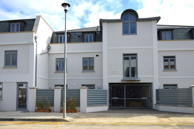 Thumbnail Flat for sale in Pouparts Place, Off 3rd Cross Rd, Twickenham