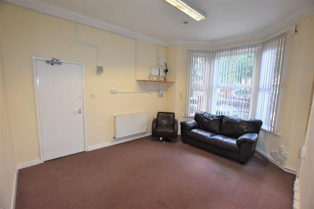 Lounge of Cedar Road, Leicester LE2