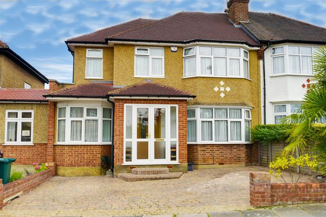 Thumbnail Semi-detached house to rent in Albemarle Road, East Barnet