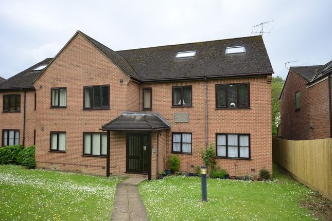 Thumbnail Flat to rent in Old Coach Drive, High Wycombe