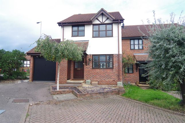 3 bed semi-detached house to rent in The Copse, Hertford SG13