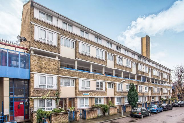 Thumbnail Flat for sale in Garnies Close, London