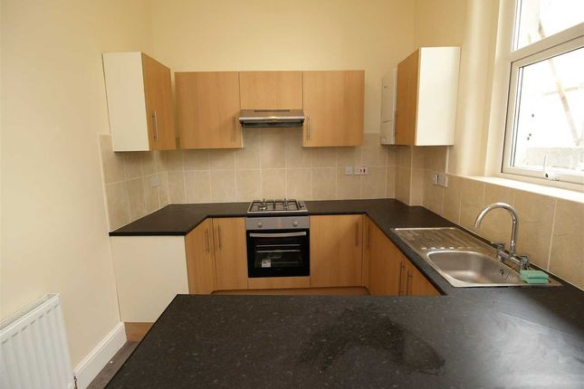 Thumbnail Maisonette to rent in Bretonside, Plymouth