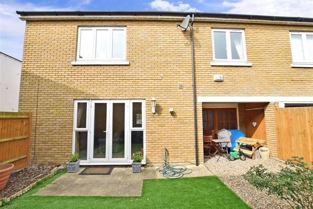 3 bed end terrace house for sale in Lightermans Way, Greenhithe, Kent