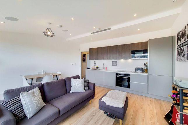 Thumbnail Flat to rent in Athenaeum Road, Barnet, London