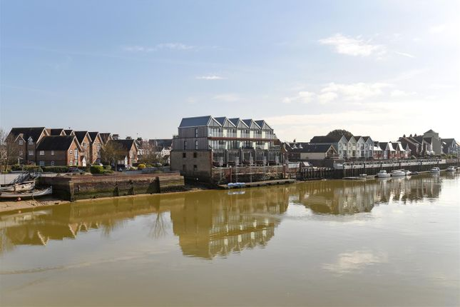 Thumbnail Town house for sale in River Road, Littlehampton
