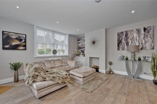 1 bed flat for sale in Cross Road, Oatlands Village, Weybridge, Surrey KT13