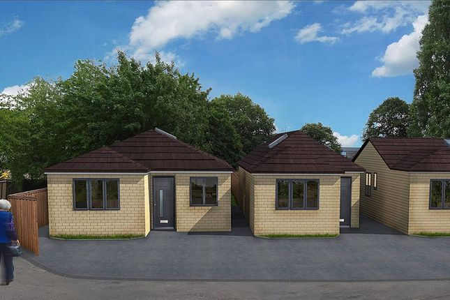 Thumbnail Bungalow for sale in Pickett Avenue, Headington, Oxford