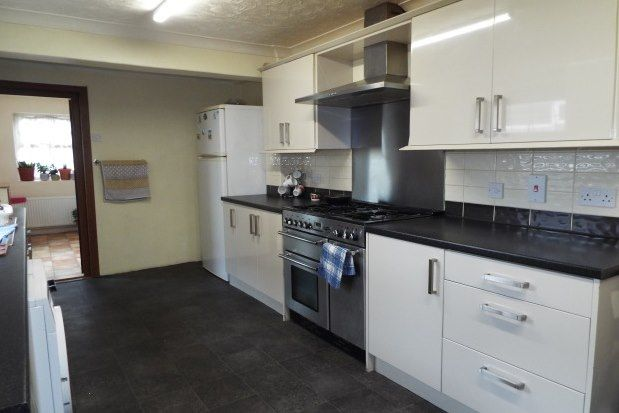 3 bed terraced house to rent in Old Road West, Gravesend DA11