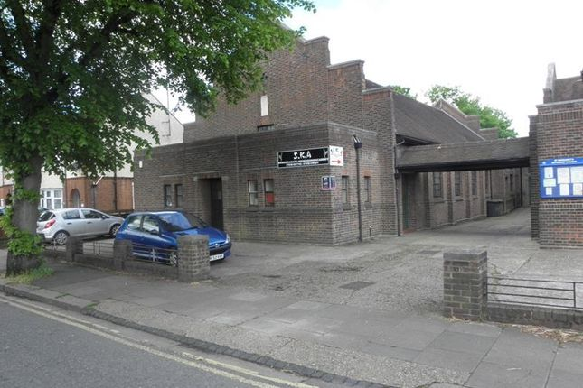 Thumbnail Leisure/hospitality for sale in Former Church Hall, St Margaret's Methodist Church, Montrose Avenue, Luton