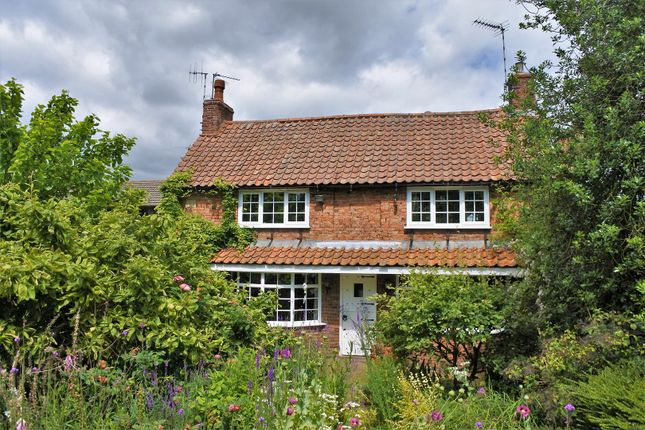 Thumbnail Cottage for sale in Trotters Lane, Harlaxton, Grantham
