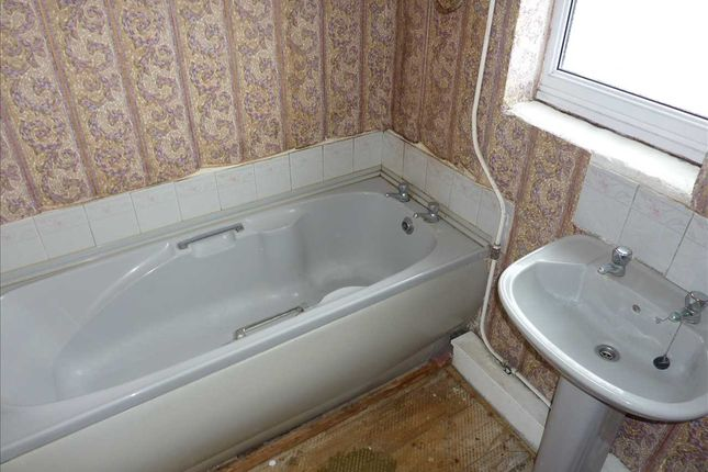 Bathroom of Worcester Avenue, Grimsby DN34