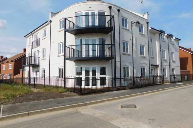 Thumbnail Flat to rent in Orchard Mead, Waterlooville