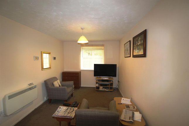 Lounge Area of Tennyson Avenue, Houghton Regis, Dunstable LU5