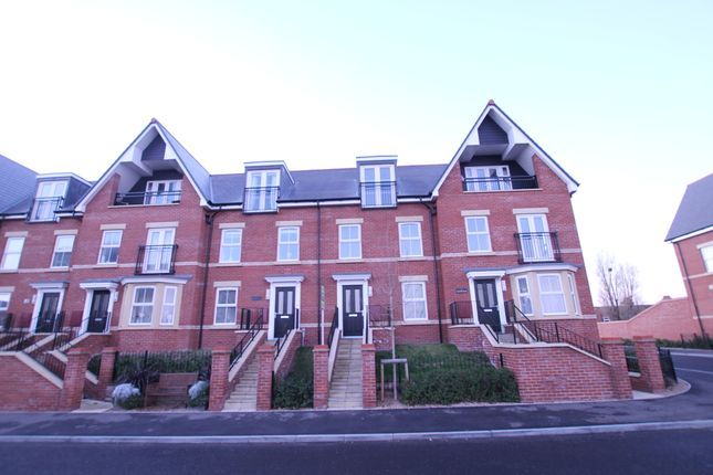 Thumbnail Terraced house to rent in Old Fort Road, Felixstowe