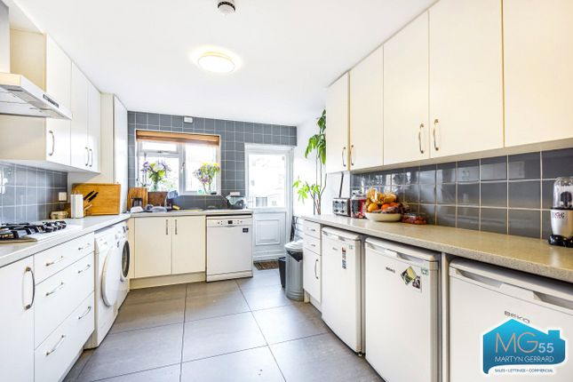 Thumbnail Flat to rent in Warham Road, Harringay, London