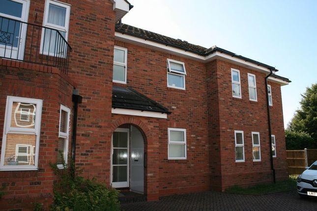 2 bed flat to rent in Worcester Road, Stoke Heath, Bromsgrove B61